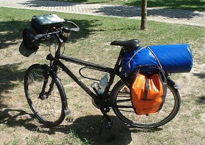 Vollbepacktes Fahrrad